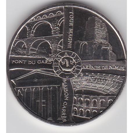 30 - Nîmes - les 4 monuments (blanc) - 2015