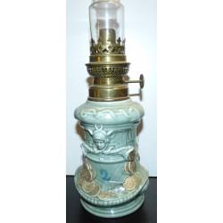"""Lampe à pétrole ou à alcool en porcelaine """"vintage"""""""