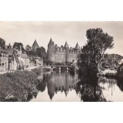 Carte postale - Josselin - L'Oust et le chateau