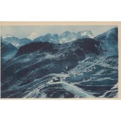 Carte postale - Route des Alpes - Le lautaret,ses environs. Le chalet et le col du Galibier