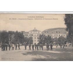 Carte postale - Nice - Caserne de Riquier - Infanterie et chasseurs alpins
