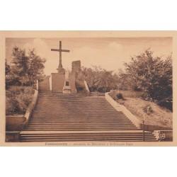 Carte postale - Fontcouverte - Ensemble du monument à St François Régis