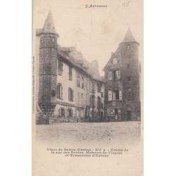 Carte postale - Place de Salers - XVeme siècle