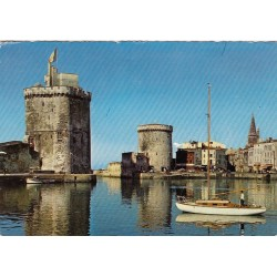 Carte postale - La Rochelle - L'entré du port