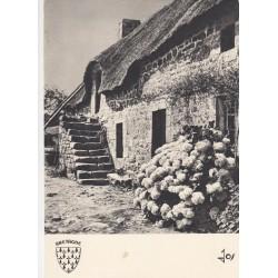 Carte postale - Bretagne - Vielle maison paysanne