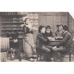 Carte postale - Rosporden - Intérieur d'auberge