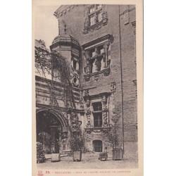 Carte postale - Toulouse - Cour de l'hotel Maynier de lasbordes