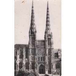 Carte postale - Bordeaux - Les flèches de la cathédrale St-André