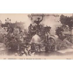 Carte postale - Bordeaux - Détail du monument des Girondins
