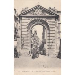 Carte postale - Bordeaux - La rue et la porte Dijeaux