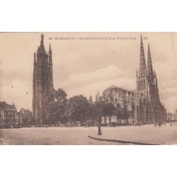 Carte postale - Bordeaux - La Cathédrale et la Tour Pey-Berland